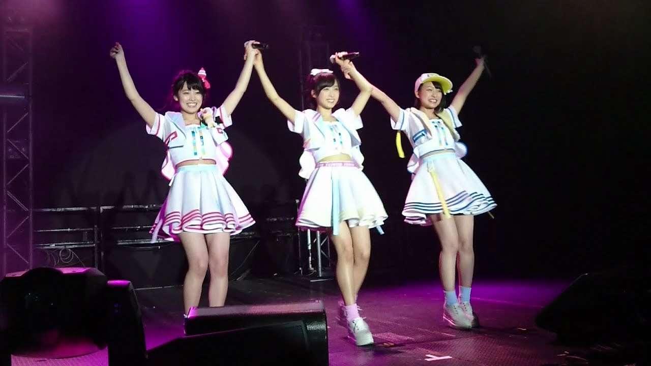 AKB48 チーム8挨拶から始めよう @ 香港 (岡部麟 小栗有以 山田菜々美) - YouTube