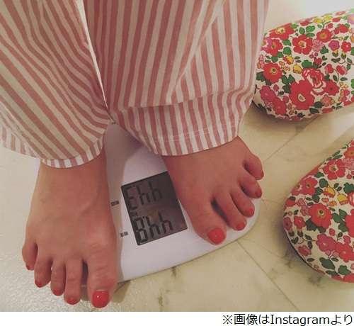 """鈴木奈々が""""3キロ増""""の体重公開"""