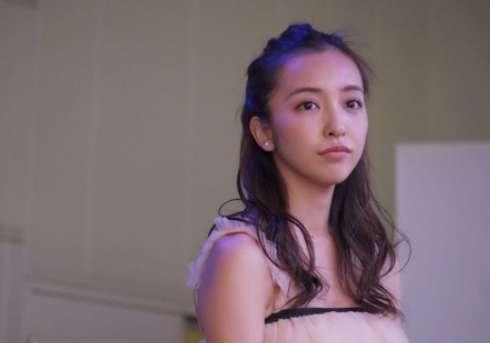 5月26日 板野友美の1年ぶり最新シングルがトップ10圏外の爆死! もう過去の人?