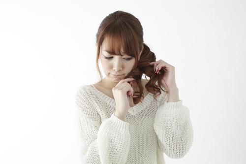 薄毛の原因にも? 特に女性からの悩み相談が多い「抜毛症」の治し方に迫る!
