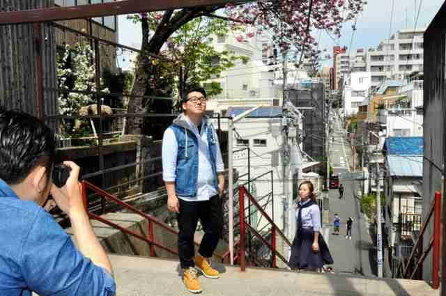 「君の名は。」ポーズ、挙式前に アジアから続々来日:朝日新聞デジタル