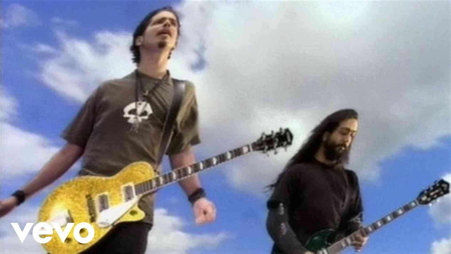 Soundgarden - Black Hole Sun - YouTube
