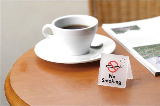 カンニング竹山、新幹線の異様な光景を投稿「どんだけタバコ嫌いなのか」