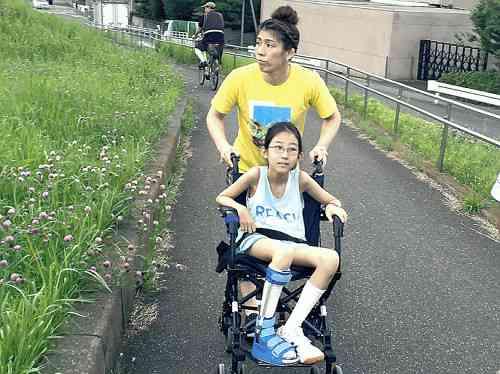 【レスリング】吉田沙保里、心臓病少女に「金」約束!五輪V4へ涙の決心 : スポーツ報知