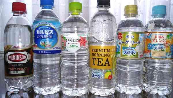 ついに透明レモンティーも登場 フレーバー水の人気は続くか