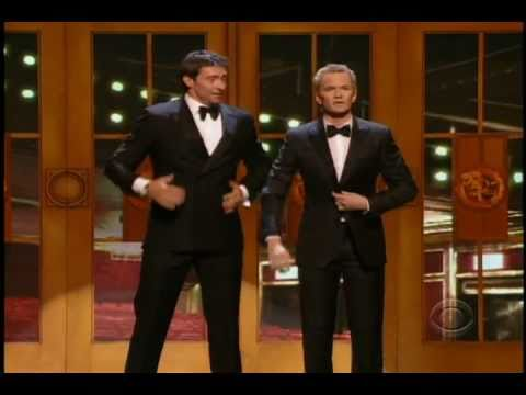 Neil Patrick Harris and Hugh Jackman duet at 2011 Tony Awards - YouTube