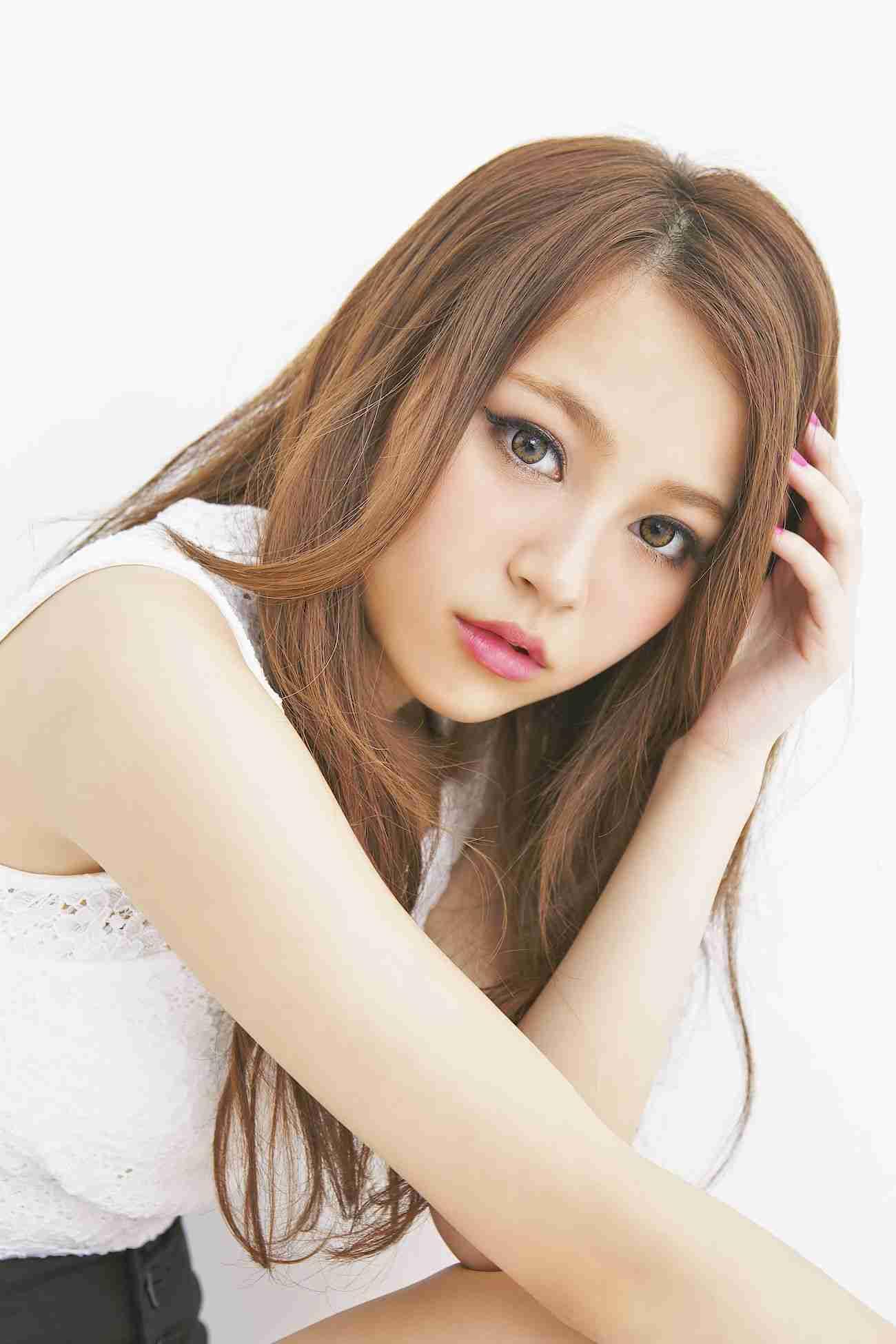 女子高生モデル「恋を邪魔する淫行条例反対!」、成人男性と交際しても問題ない?
