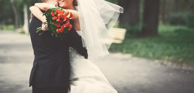 年収1000万円の男性と結婚して専業主婦になった場合、どんな生活を送ることになるのか?