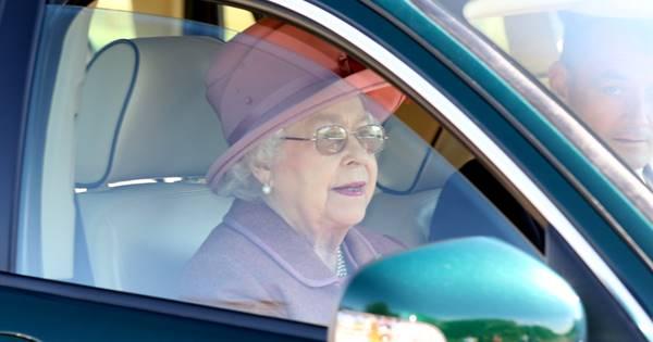 91歳でジャガーを運転するエリザベス女王が免許を持っていない理由 | 女性自身[光文社女性週刊誌]