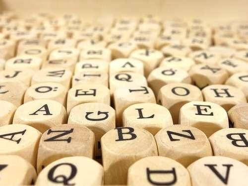 小学校のテスト「アルファベット順に並べなさい」→とある解答が論議を呼ぶ:らばQ