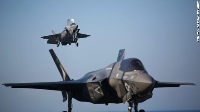 CNN.co.jp : 最新鋭の米戦闘機F35、岩国基地に配備 - (1/2)