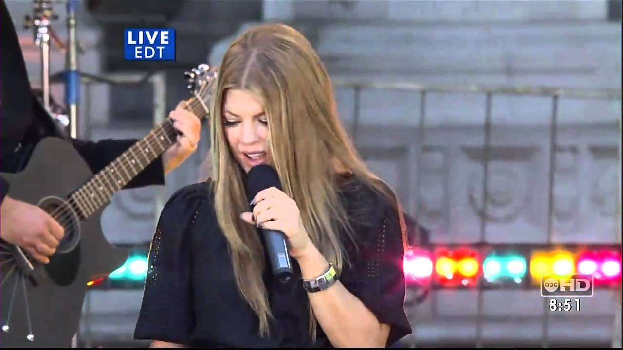 Fergie - Big Girls Dont Cry Live HQ (good morning america 05-25-07) - YouTube