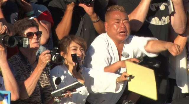 出川哲朗が今年もカンヌ国際映画祭に潜入、柔道着でスターに接触