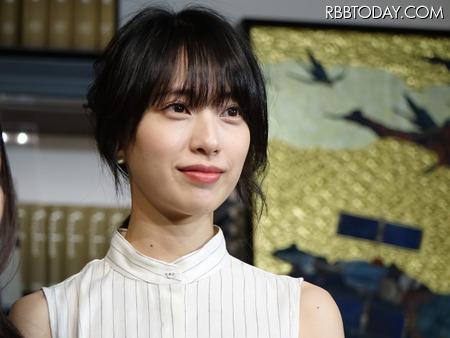 戸田恵梨香の違和感ない制服姿に絶賛「現役いける」 - ライブドアニュース