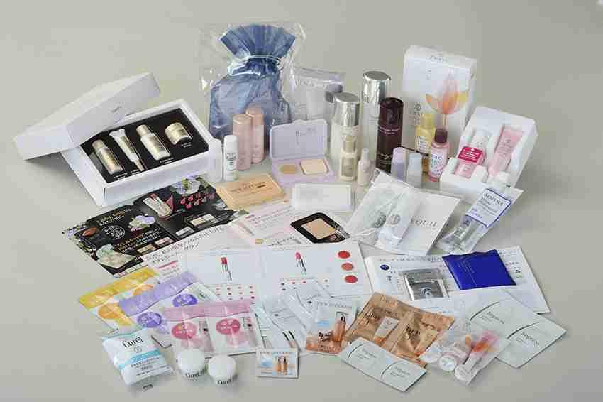 化粧品を買う前にサンプルを貰いますか?
