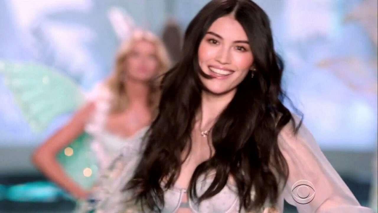 Sui He Victoria's Secret Runway Walk Compilation 2011-2016 HD - YouTube