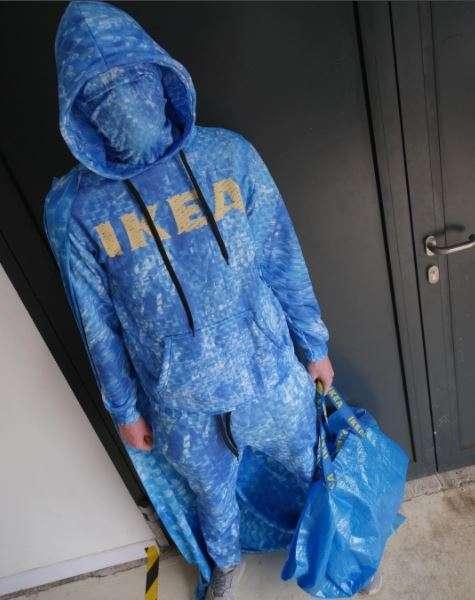 IKEAの青いバッグ「FRAKTA」風のトレーナーがヴィレヴァンに登場