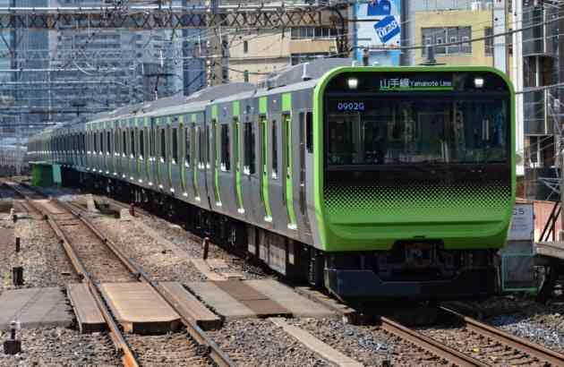 山手線、全車両に防犯カメラ 18年春から  :日本経済新聞