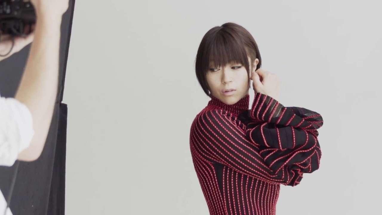 宇多田ヒカル「VOGUE JAPAN」2017年8月号撮影メイキング - YouTube