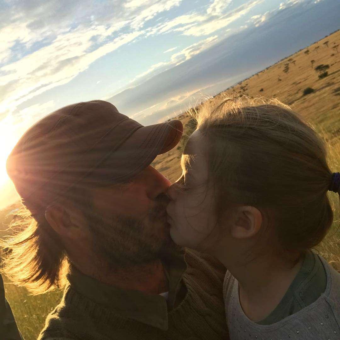 アリorナシ?デヴィッド・ベッカムが投稿した5歳娘との唇キス写真が論争を呼ぶ