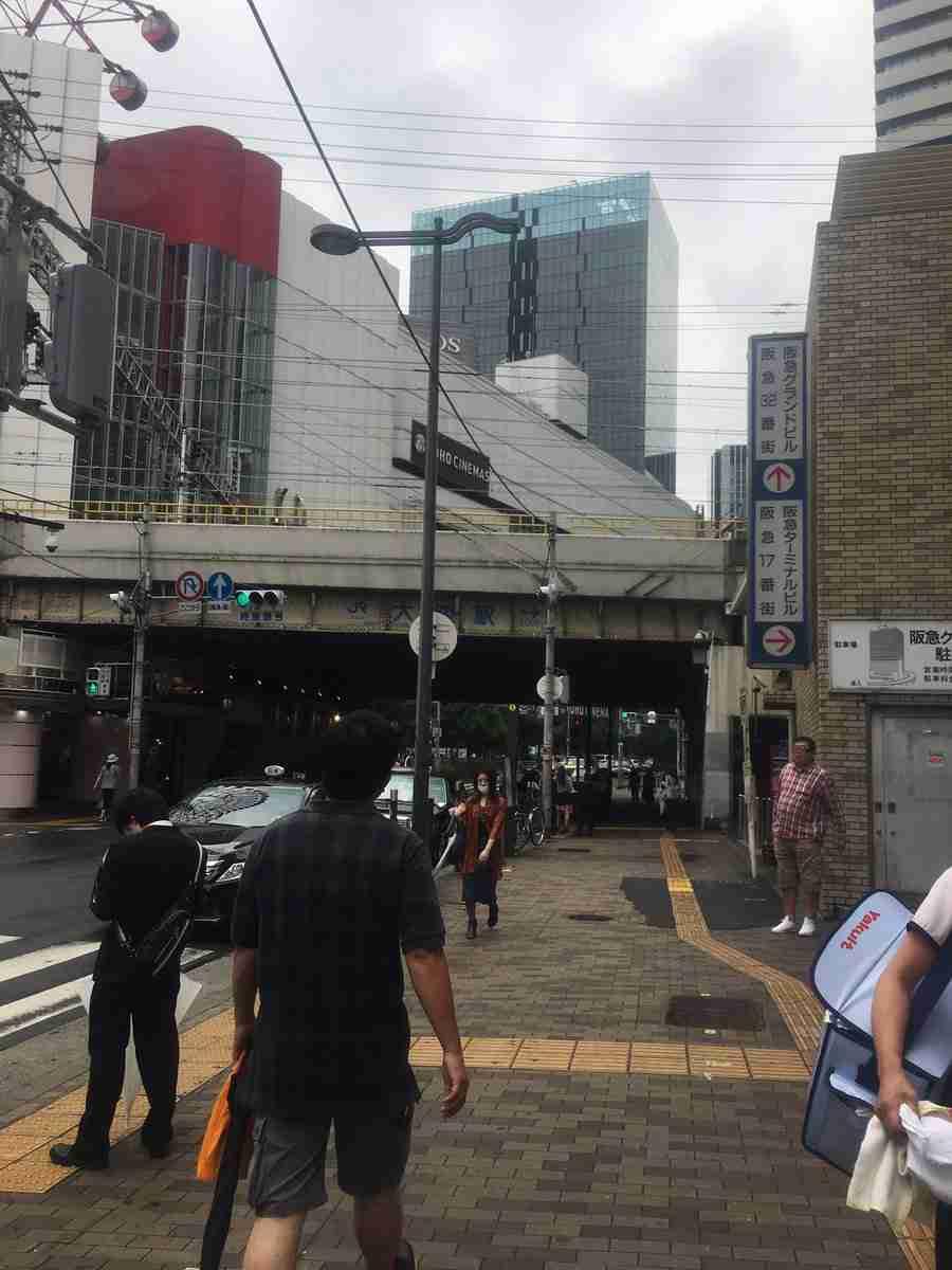 駅ビルから飛び降り15階に落ちた後、立ち上がりさらに転落…男性死亡