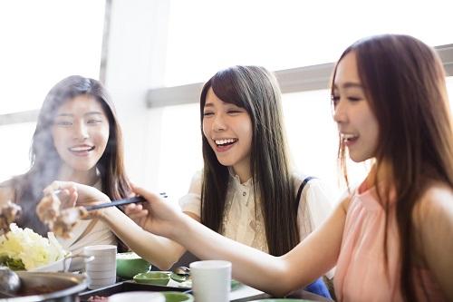 3位趣味、2位交際!女性500名の「ケチりたくない出費」1位は…- 記事詳細|Infoseekニュース