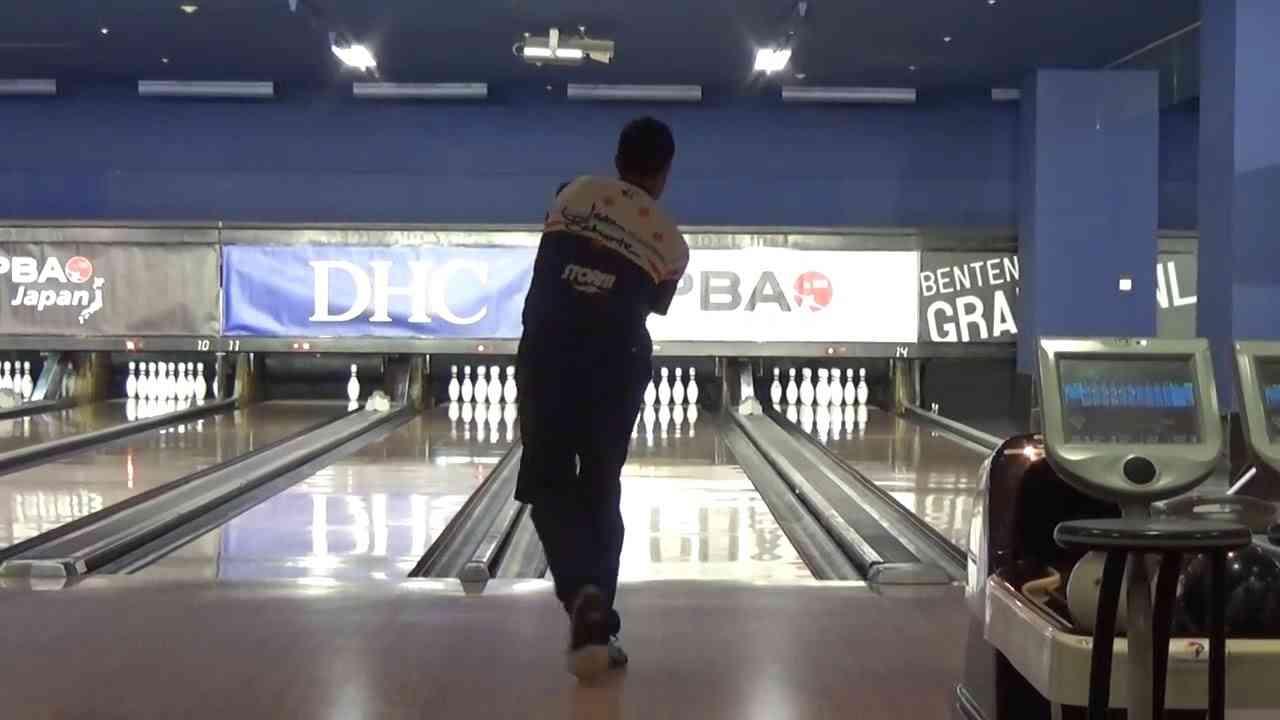 2017 ボウリング ジェイソンベルモンテ 両手投げ Jason Belmonte Bowling - YouTube