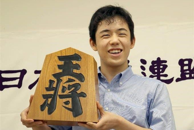 藤井聡太四段止まらない24連勝、歴代2位タイ