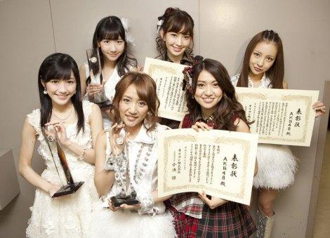 【オリコン年間】AKB48、今年もシングルTOP5独占 総売上191億円で最多5冠   ORICON NEWS