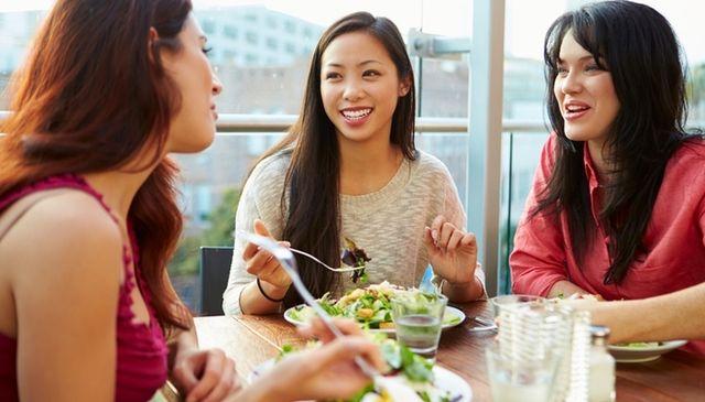 結局自慢でしょ? 女子会でする「恋バナ」が実は嫌いな女子大生は約3割 | ニコニコニュース