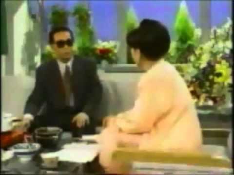 タモリさん 博多うどんを外国語で解説 - YouTube