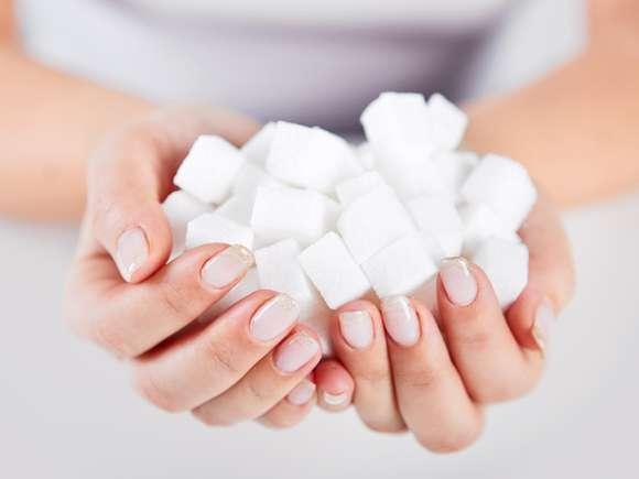 疲労感やイライラは甘いものが原因?砂糖依存症の原因と治療 | 女性の美学