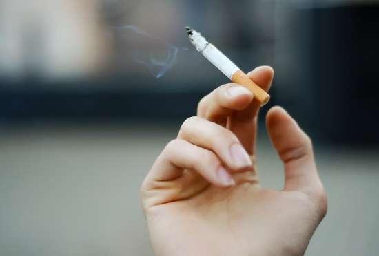 喫煙率、初めて2割切る 健康影響懸念か、厚労省調査