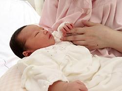 「産んだばかりなのに自殺も考えた」NHKで話題 世田谷区「産後うつ」への取り組み