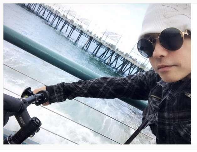 """ラルクhyde、サイクリング中の""""使っていいよ""""写真が話題「旦那いるけど使いたい」の声も"""