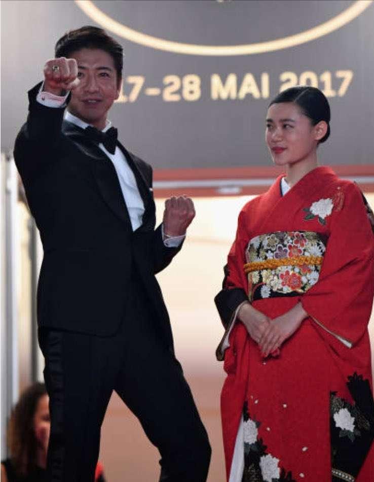 木村拓哉「イッテQ!」サプライズ出演 出川パパラッチ企画で2ショット撮影