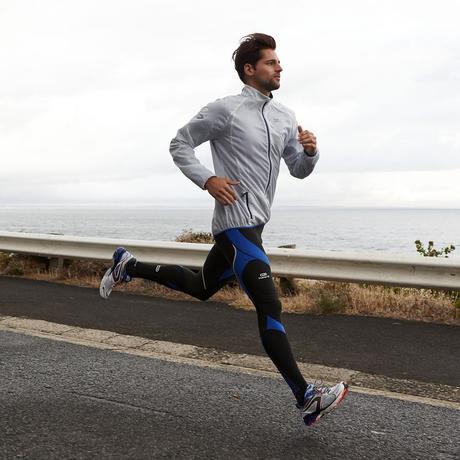 ランニングタイツはタイム向上に役立たず  疲労軽減効果もなし?!米研究