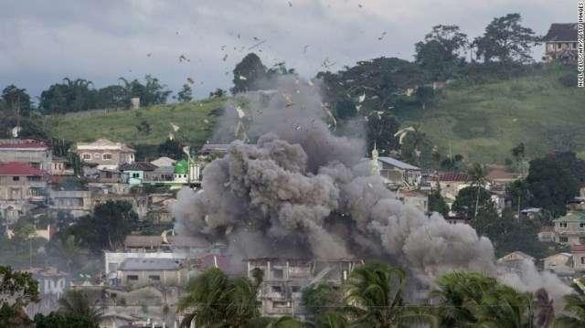 CNN.co.jp : 戦闘現場に100体の遺体か、住民目撃 比ミンダナオ島