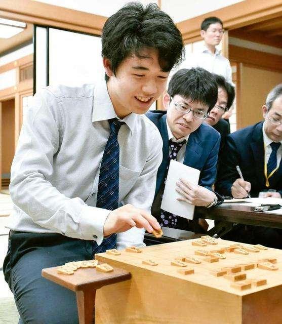 14歳・藤井聡太四段が20連勝 7日に羽生善治三冠超え挑戦