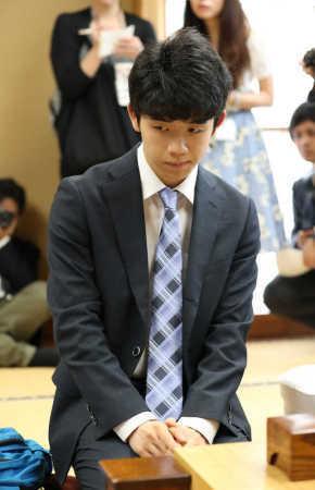 藤井四段 勝負メシは「豚キムチうどん」 29連勝へパワー (スポニチアネックス) - Yahoo!ニュース
