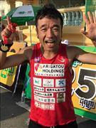 猫ひろし、カンボジアでハーフマラソン優勝「犬が追っかけてきた」