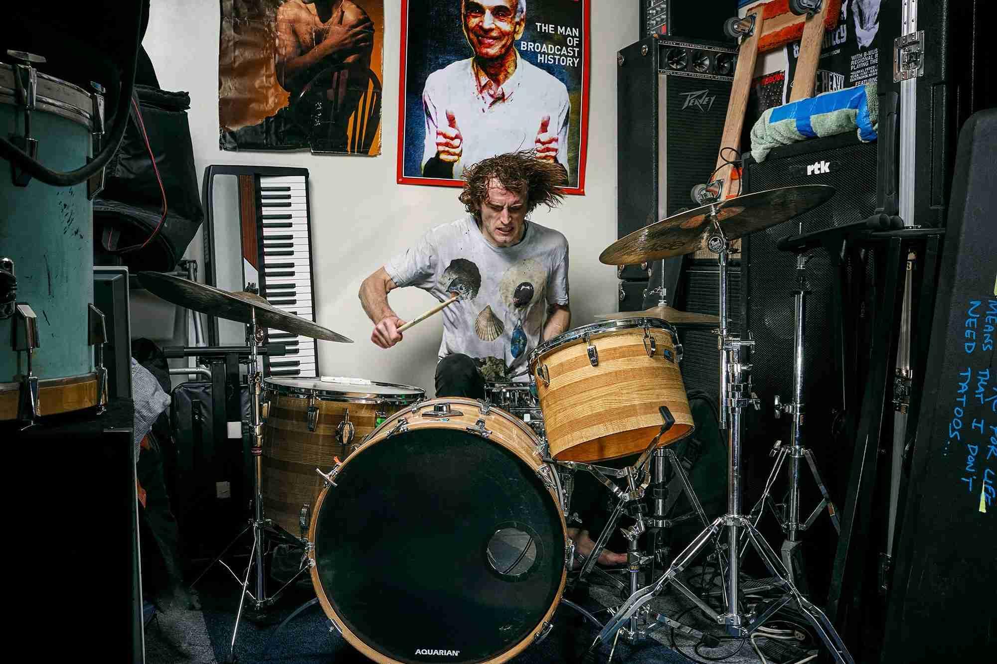 上手いと思うドラム奏者は?
