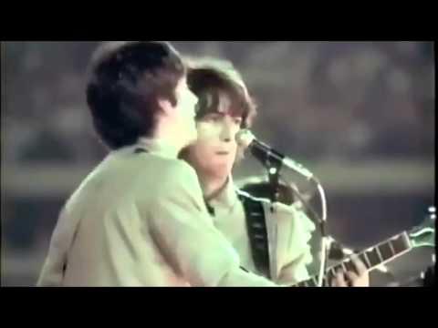 HELP - THE BEATLES - YouTube