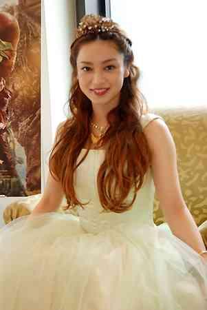 長友佑都、平愛梨との結婚披露宴は「すてきな日になれば」