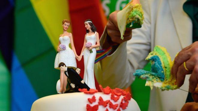 ドイツ連邦議会、同性婚の合法化を可決