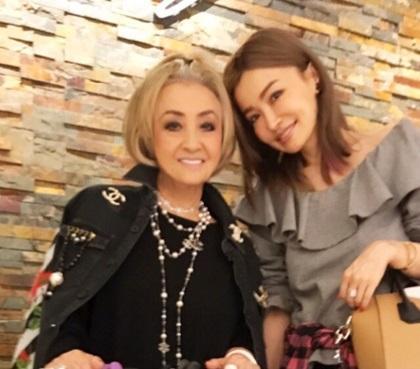 平子理沙 母親と2ショット公開、「オシャレ」「素敵」称賛の声 - Ameba News [アメーバニュース]