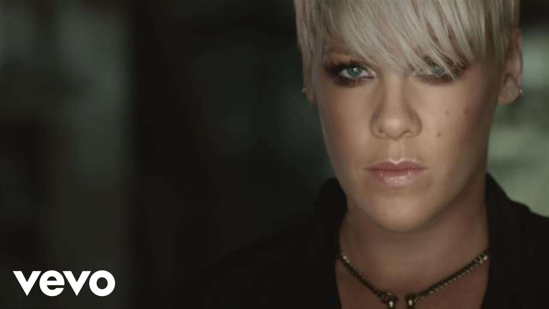 P!nk - F**kin' Perfect - YouTube