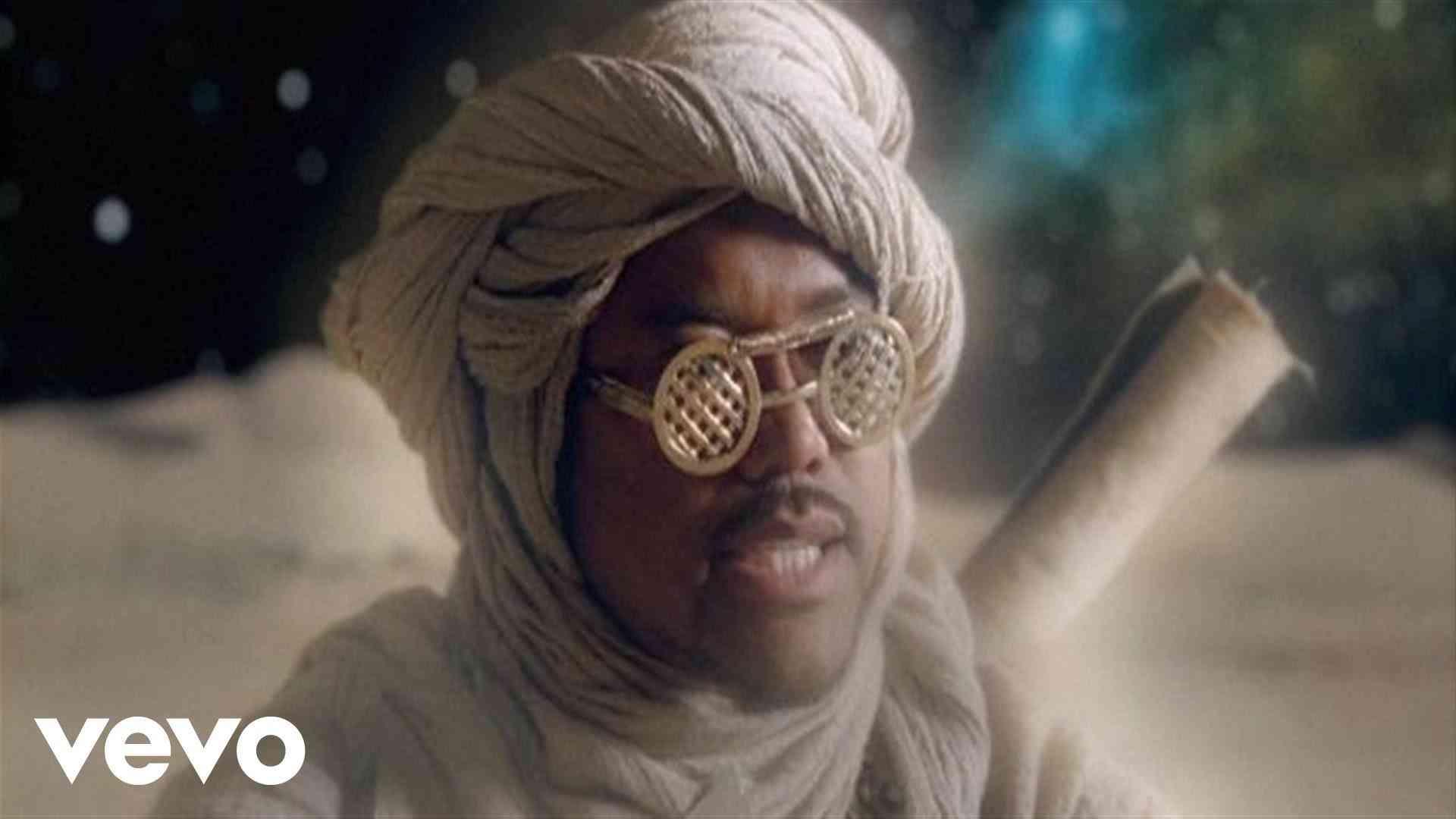 The Black Eyed Peas - Meet Me Halfway - YouTube