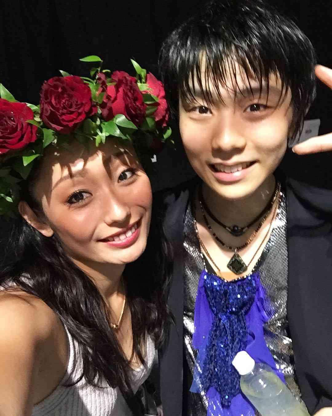安藤美姫、羽生結弦との仲良し2ショットに反響 「姉弟みたい」「美男美女」