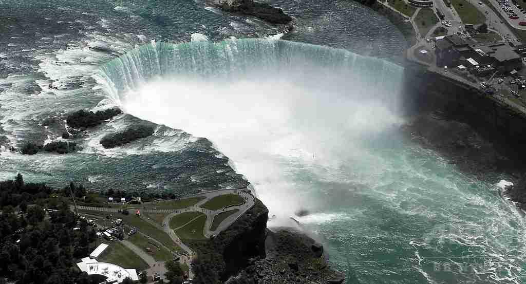 ナイアガラの滝に飛び込み生還の男性、2度目の挑戦で死亡
